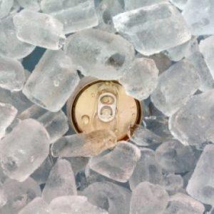 Hvordan kjøle drikke raskest mulig?